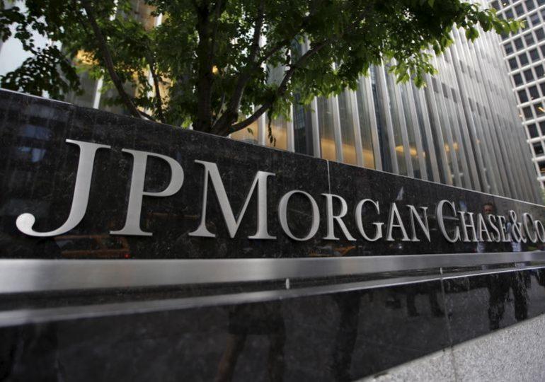 JPMorgan Chase may freeze some salaries while paying traders higher bonuses, source says