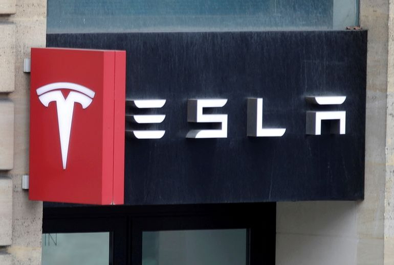Tesla to join S&P 500 in single tranche