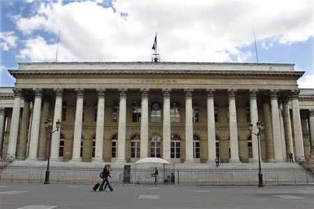 France stocks lower at close of trade; CAC 40 down 0.12%