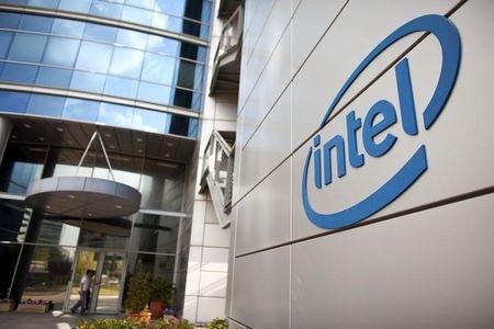 Intel Slips on Apple Chips