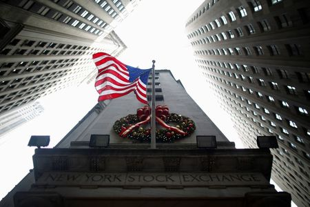 Dow Closes Up in Slow Session Amid Brexit Deal, Stimulus