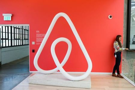 AutoZone, Productivity, Airbnb: 3 Things to Watch