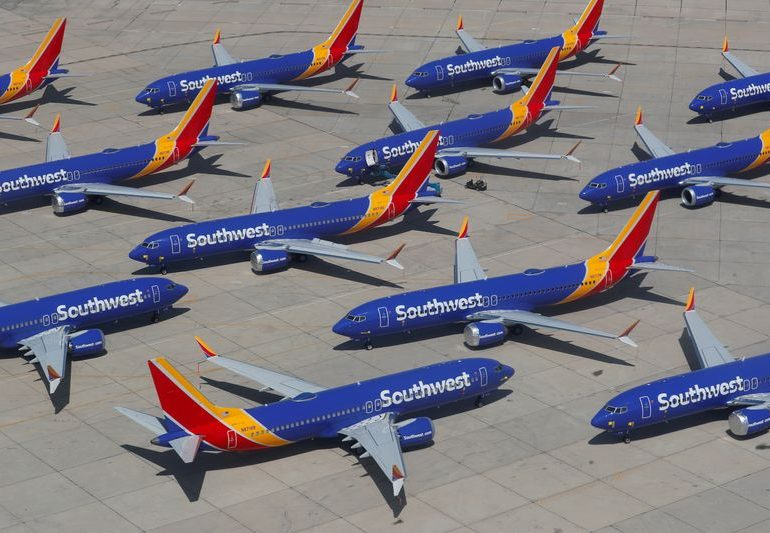 Southwest issues layoff warnings to 6,828 employees