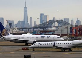 United Airlines unveils plan to protect tax assets
