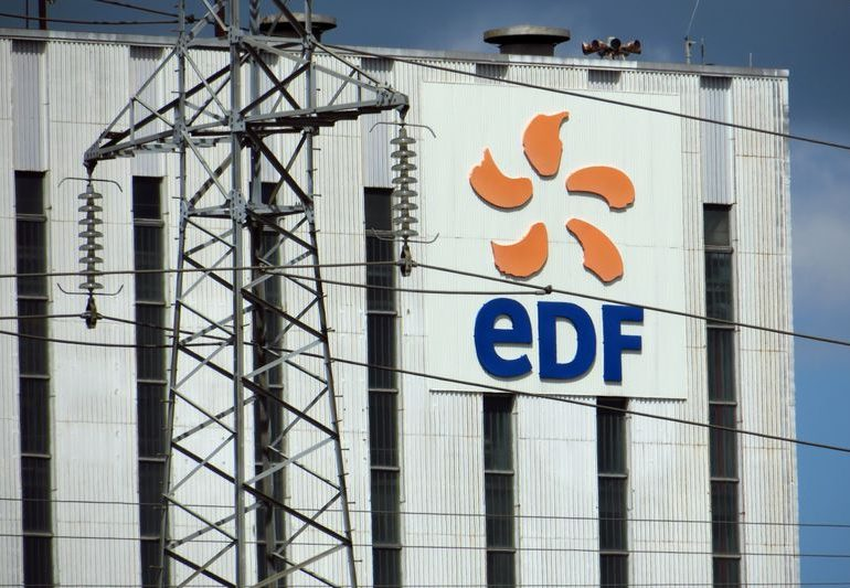 Strikes over nuclear reform plan reduce French power generation