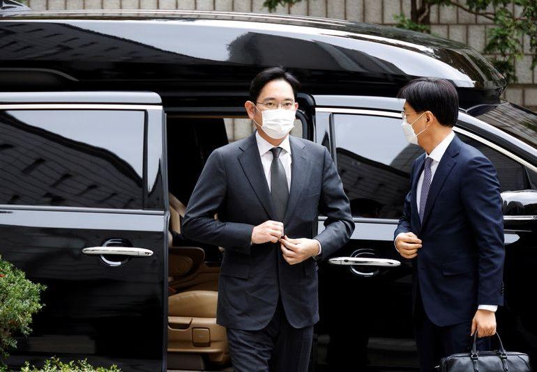 South Korea holds final hearing in Samsung leader Jay Y. Lee's graft trial