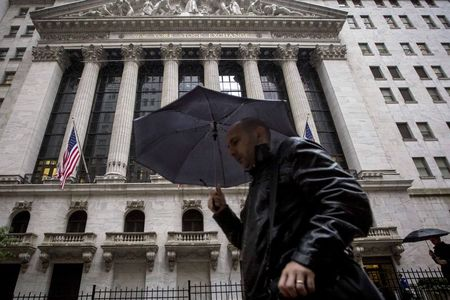 U.S. stocks mixed at close of trade; Dow Jones Industrial Average up 0.49%