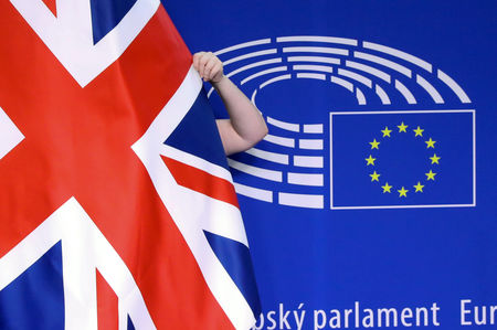 European Stocks Edge Lower; Brexit Concerns Weigh