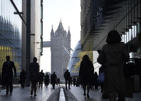 European Stocks Lower as U.K. GDP Posts Record Slump