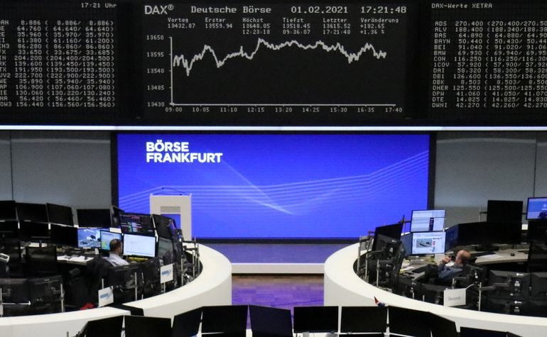 European shares rise on recovery hopes, technology shares gain