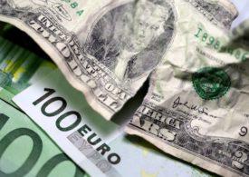 Dollar outlook still dark, recent strength a blip: Reuters poll