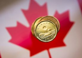 Canadian dollar seen stronger if global economy resumes growing: Reuters poll
