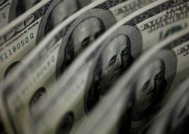 "Analysis: ""Dollar smile"" meets ""dollar short""; greenback bounce threatens bears"