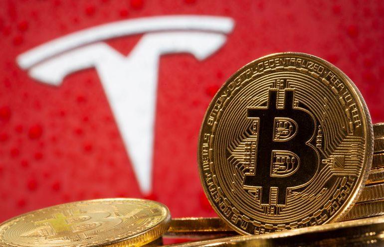 Analysis: Investors lukewarm on Tesla's $1.5 billion bitcoin splurge