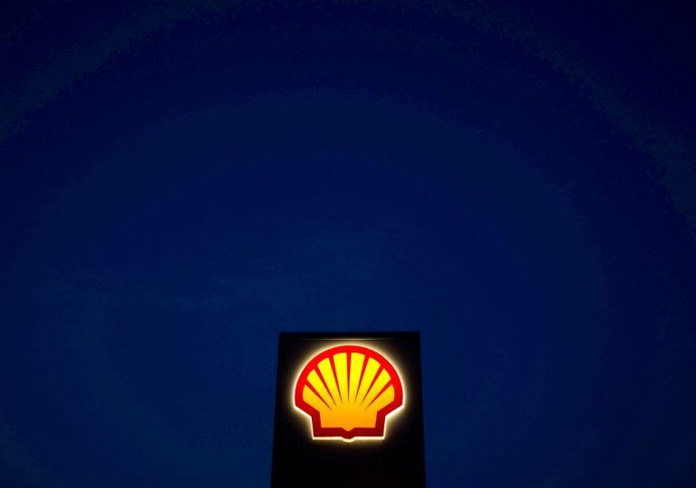 With oil past peak, Shell vows to eliminate carbon by 2050