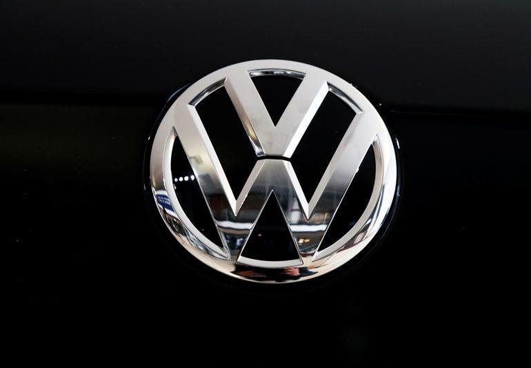 VW 'unintended victim' in battery supplier dispute, seeks four-year reprieve
