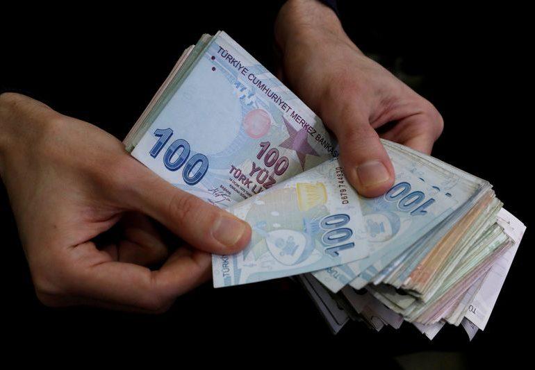 Turkish lira slides past 7 as Albayrak's legacy surfaces