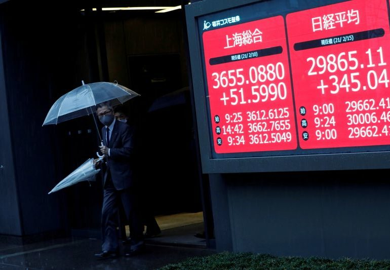 Asian stocks advance in commodities-inspired rally