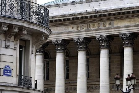France stocks higher at close of trade; CAC 40 up 0.32%