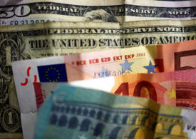 Dollar Gains; Hits Four-Month High Versus Euro