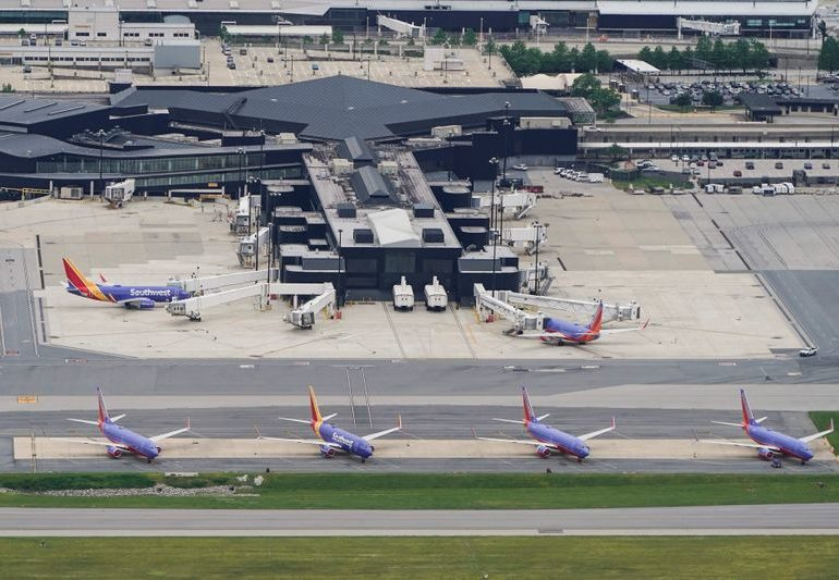 Southwest, JetBlue expect leisure bookings to help revenue