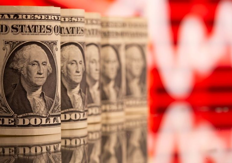 Dollar extends four-month high against euro as recovery outlooks diverge
