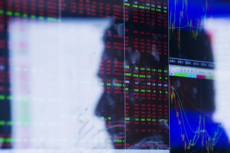 Online lender SoFi to give IPO access to retail investors
