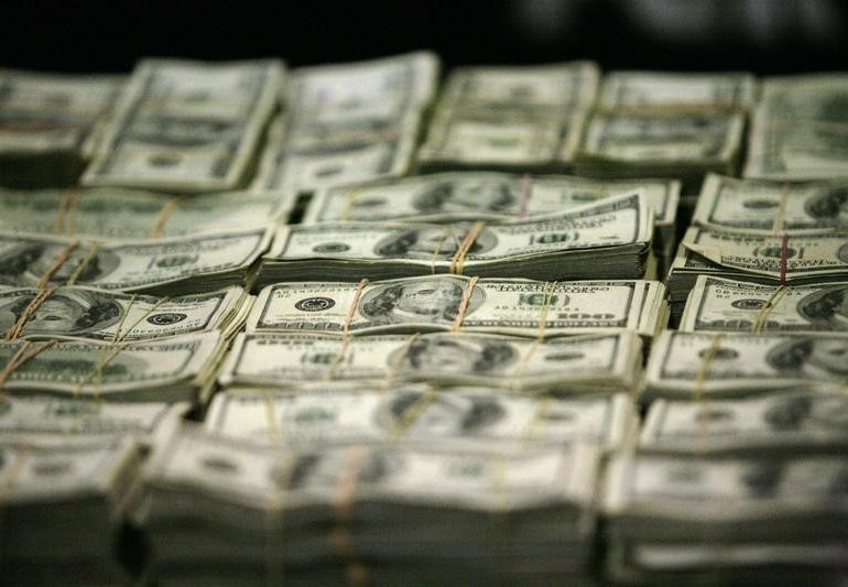 Dollar posts third straight weekly rise after upbeat U.S. payrolls report By Reuters