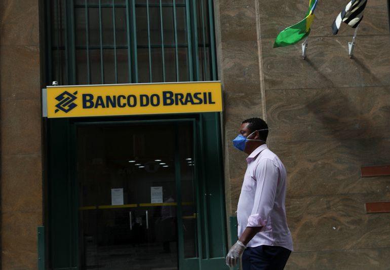 Bolsonaro's pick for Banco do Brasil CEO not ready for the job, say board members