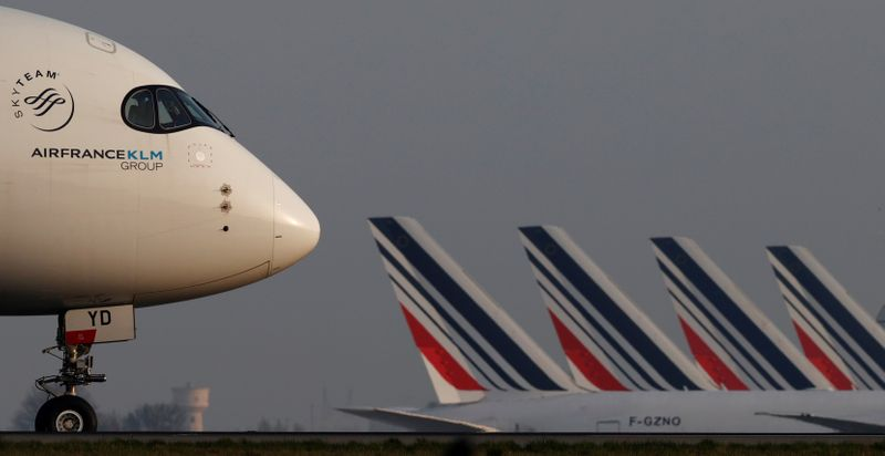 Air France-KLM plans board meeting on refinancing, sources say