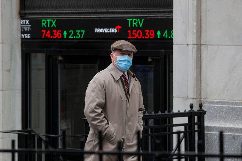 Analysis: Investors keep faith in U.S. value stocks as tech roars back