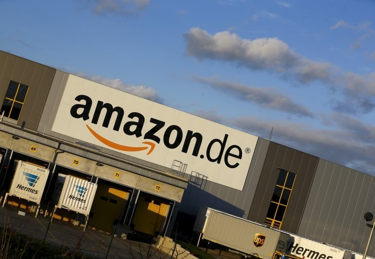Amazon CEO Bezos, stung by wide criticism, endorses U.S. corporate tax hike By Reuters