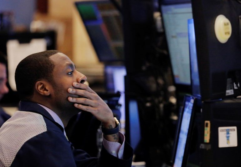 S&P 500 in Sideways Action; Clover Health Rides Meme Wave Higher By Investing.com