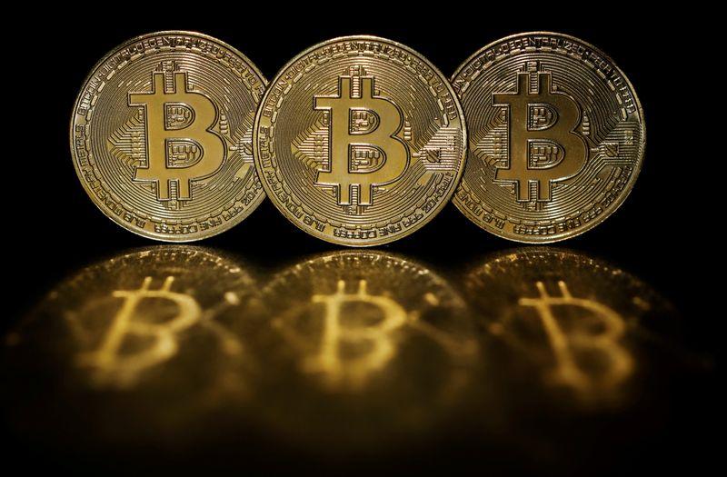 Bitcoin rises 5.1 percent to $37,361