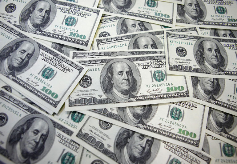Dollar Edges Higher; Focus Turns to May CPI Release By Investing.com