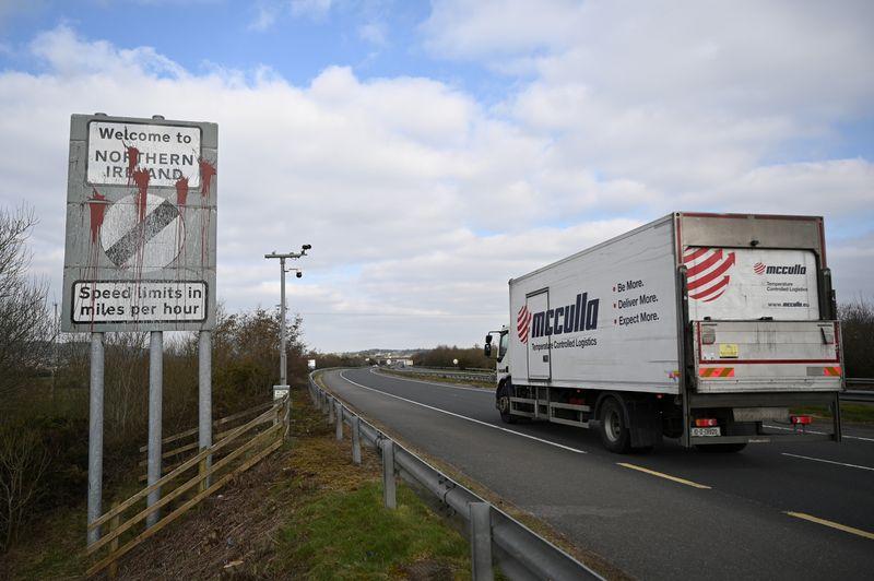 UK demands new N.Ireland Brexit deal