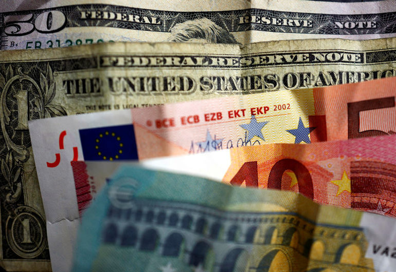 Dollar Edges Down From 13-Month High Ahead of CPI Data By Investing.com